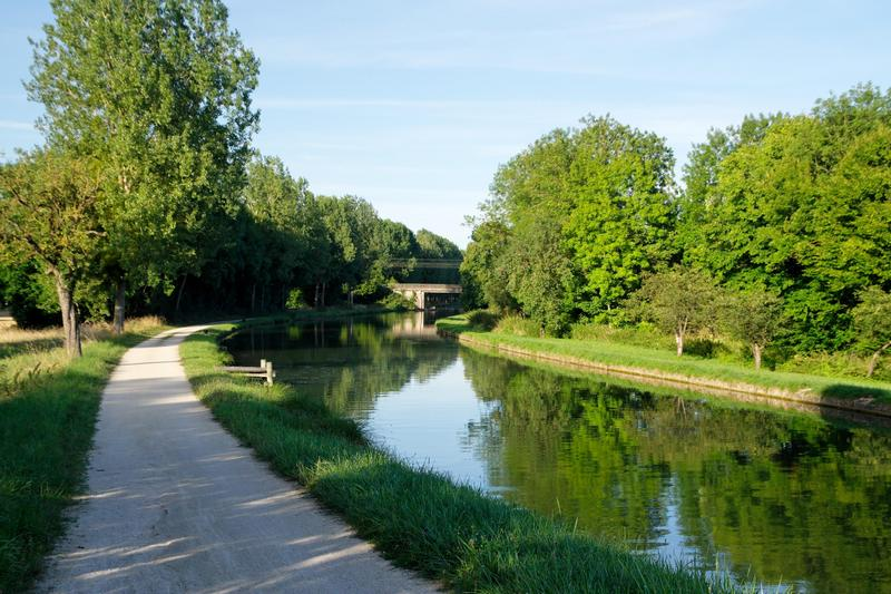 The canals of burgundy bed and breakfast in burgundy bed and breakfast in burgundy - Intermarche port du canal dijon ...