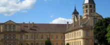 cluny-guests-rooms-burgundy